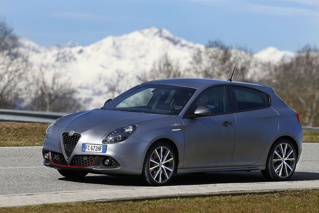 Video Review: Alfa Romeo Giulietta Diesel Hatchback 1.6 Jtdm-2 120 Super 5dr TCT