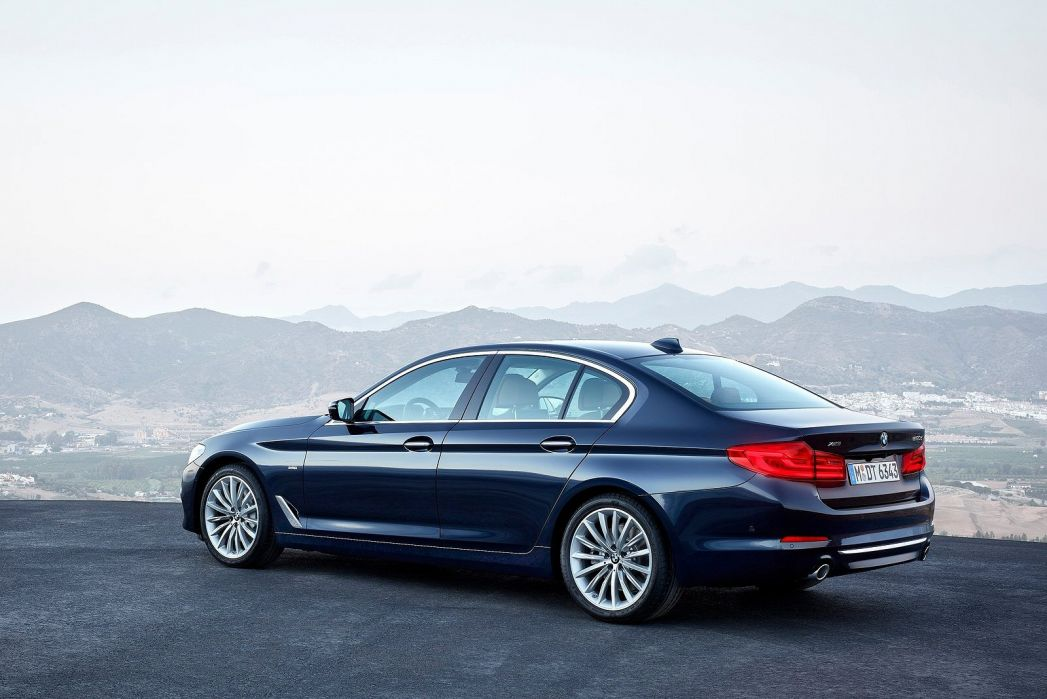 Image 2: BMW 5 Series Saloon 540I Xdrive M Sport 4dr Auto