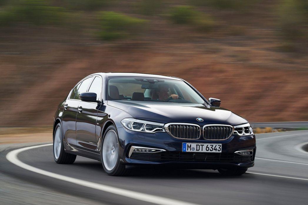 Image 3: BMW 5 Series Saloon 540I Xdrive M Sport 4dr Auto