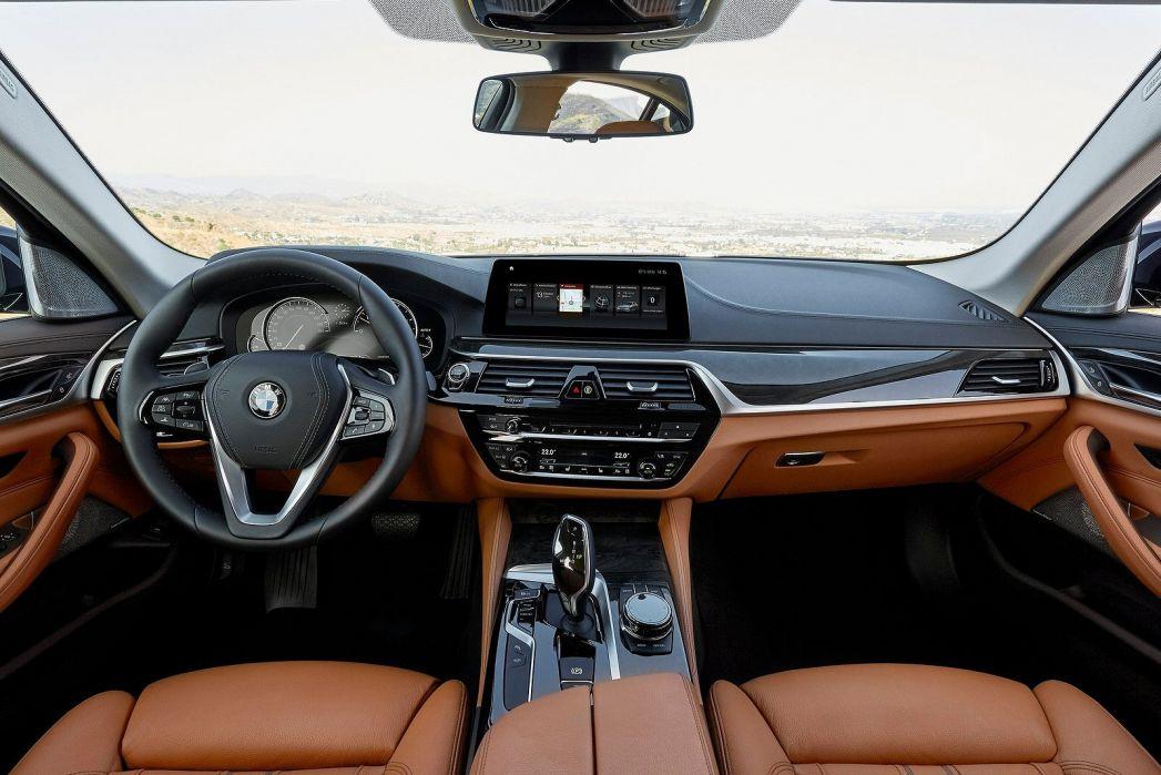 Image 4: BMW 5 Series Touring 540I Xdrive M Sport 5dr Auto