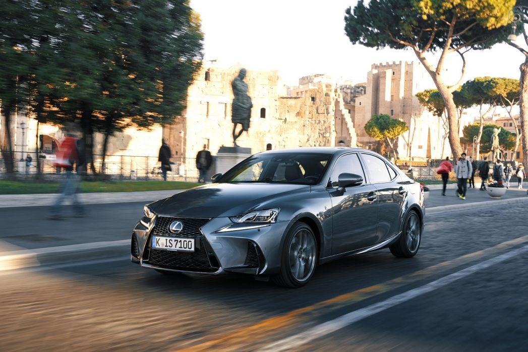 Image 3: Lexus IS Saloon 300H F-Sport 4dr CVT Auto [premium Pack]