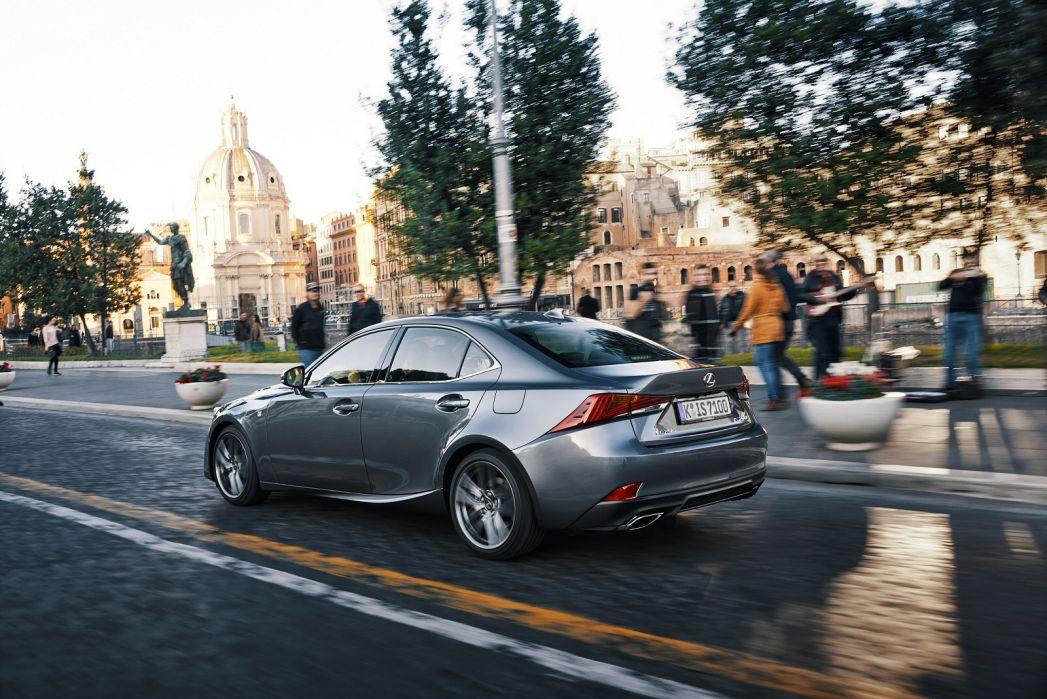 Image 5: Lexus IS Saloon 300H F-Sport 4dr CVT Auto [premium Pack]