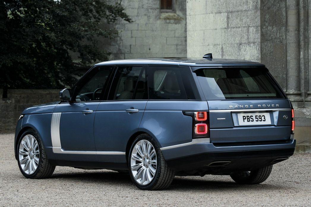 Image 2: Land Rover Range Rover Estate 2.0 P400e Svautobiography LWB 4dr Auto