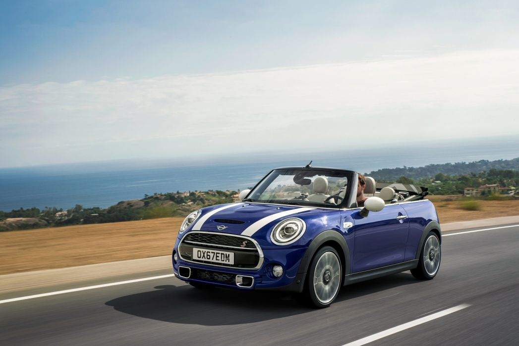 Image 3: Mini Convertible 1.5 Cooper Exclusive II 2dr Auto [NAV Pack]