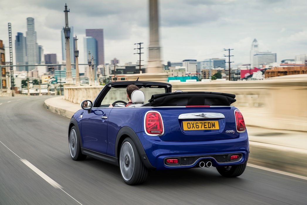 Image 5: Mini Convertible 1.5 Cooper Exclusive II 2dr Auto [NAV Pack]