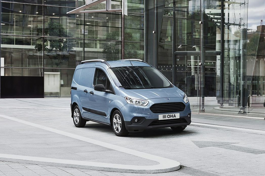 Image 2: Ford Transit Courier Petrol 1.0 Ecoboost Limited VAN [6 Speed]