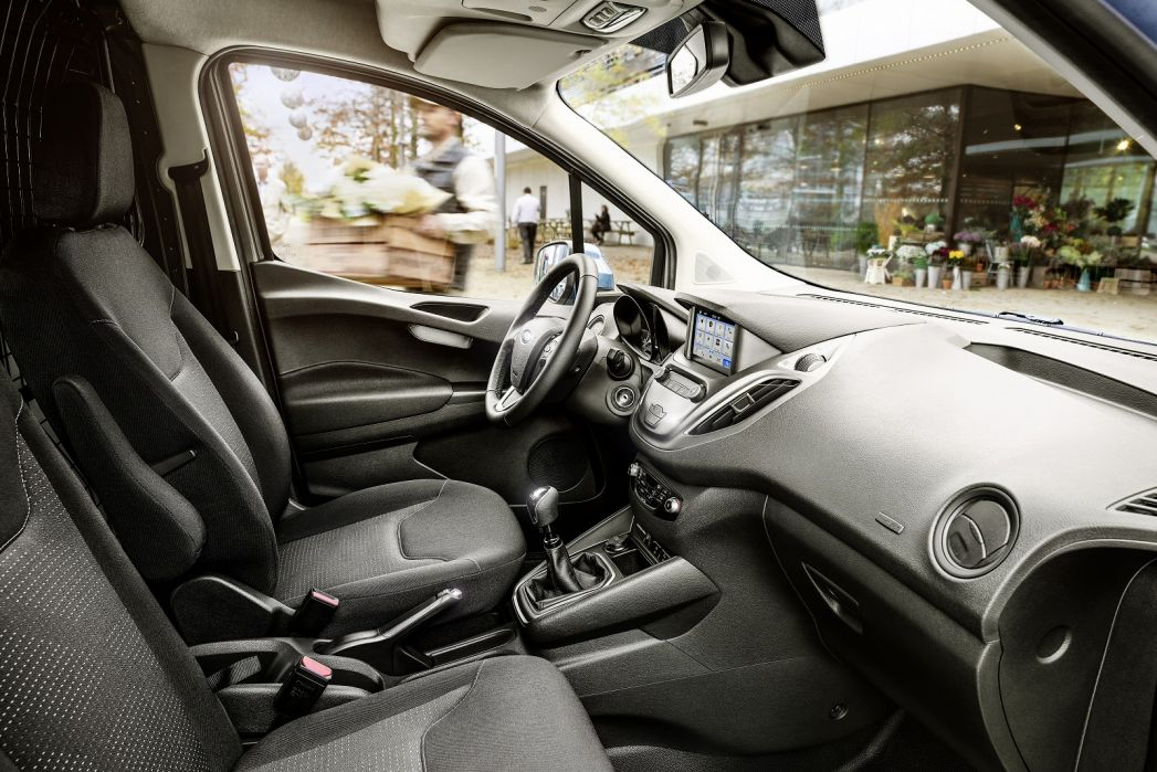 Image 3: Ford Transit Courier Petrol 1.0 Ecoboost Limited VAN [6 Speed]