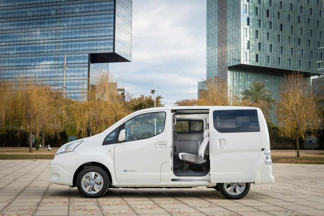 Image 1: Nissan E-NV200 Electric 80KW Visia VAN Auto 40KWH