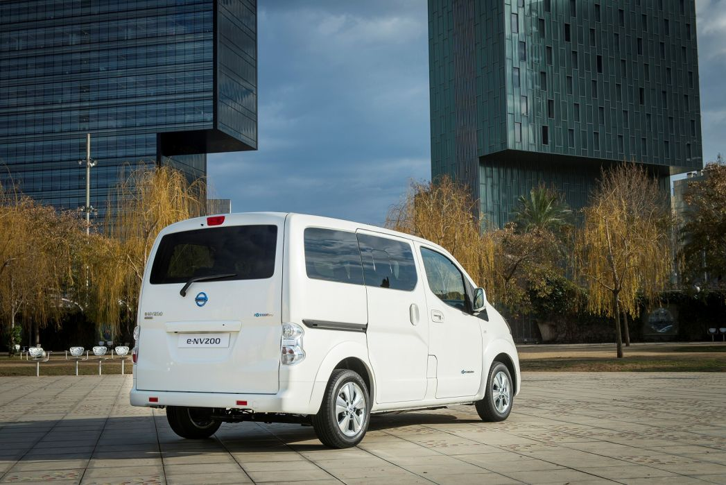 Image 2: Nissan E-NV200 Electric 80KW Visia VAN Auto 40KWH