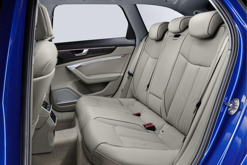Image 3: Audi A6 Diesel Avant 40 TDI S Line 5dr S Tronic [tech Pack]