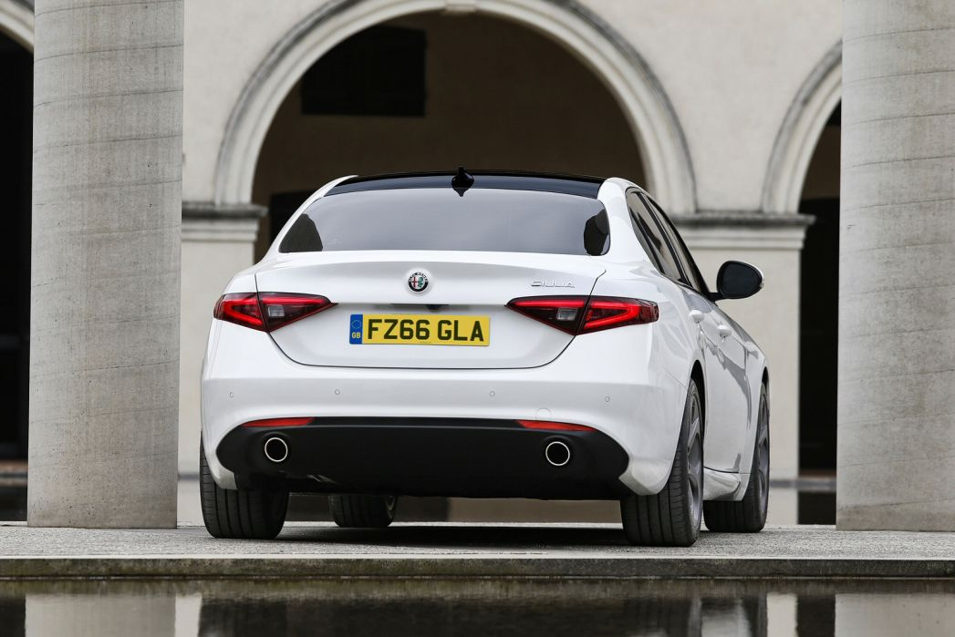 Video Review: Alfa Romeo Giulia Diesel Saloon 2.2 Jtdm-2 160 Super 4dr Auto