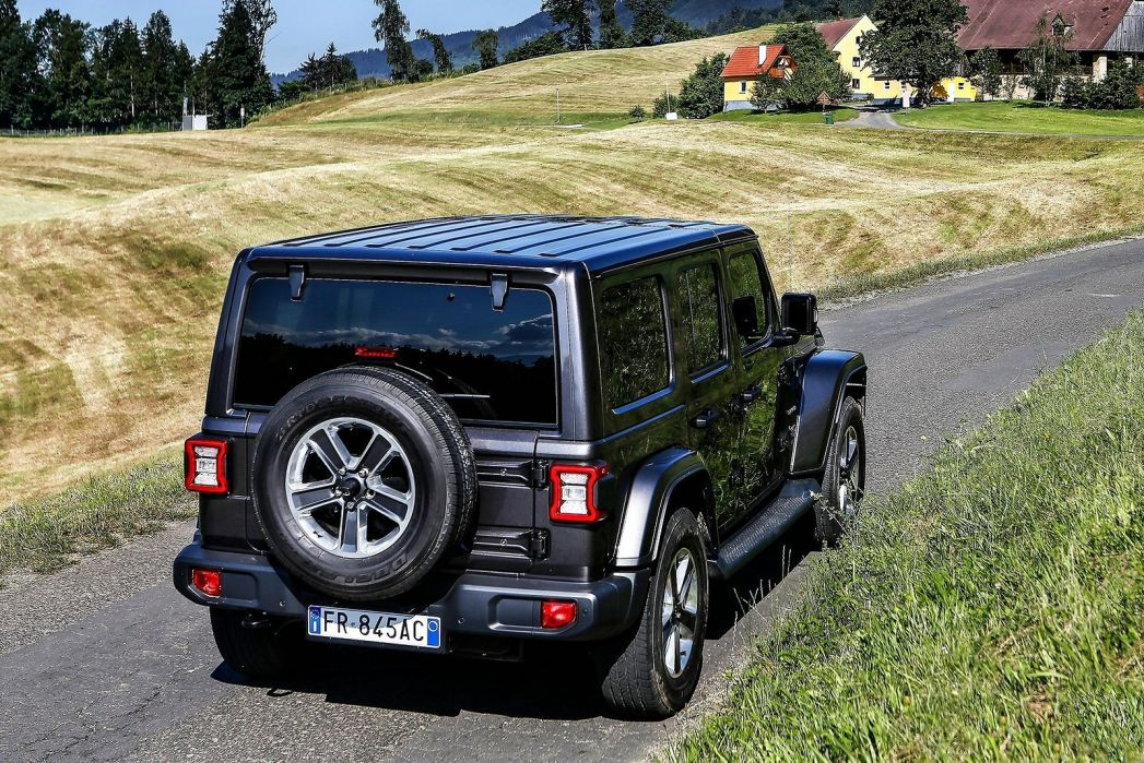 Image 4: Jeep Wrangler Hard TOP Diesel 2.2 Multijet Rubicon 2dr Auto8