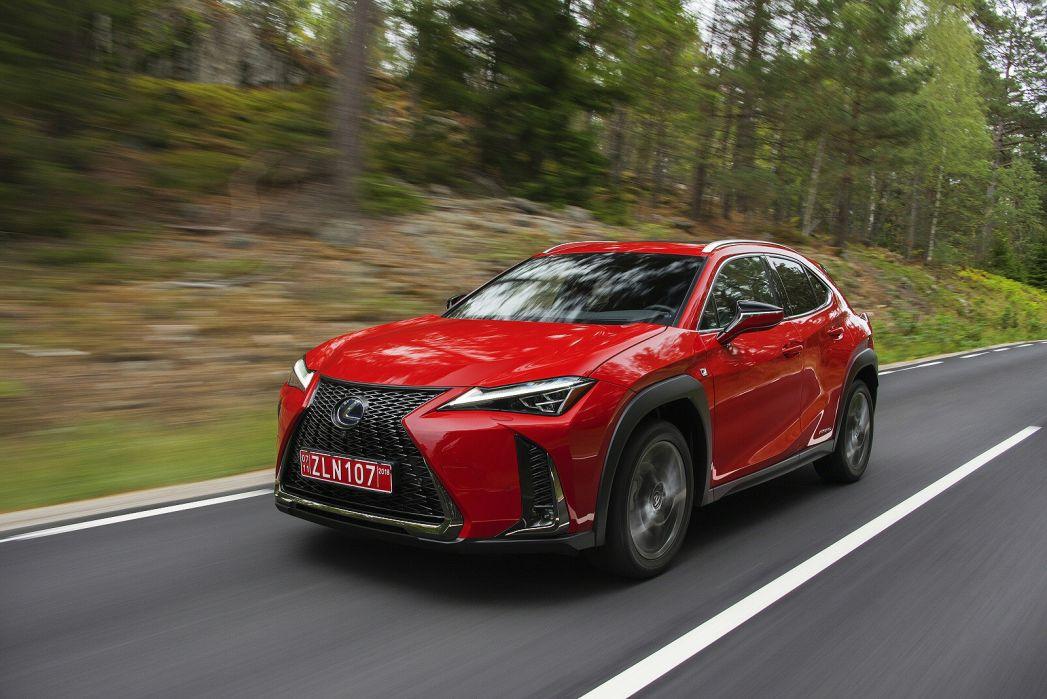Image 4: Lexus UX Hatchback 250H E4 2.0 F-Sport 5dr CVT [premium Plus/sunroof]