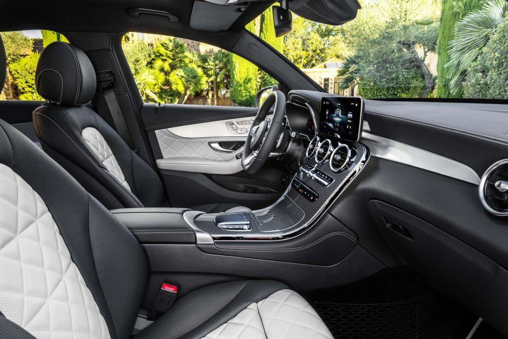 Image 2: Mercedes-Benz GLC Diesel Coupe GLC 300D 4matic AMG Line Prem Plus 5dr 9G-Tronic