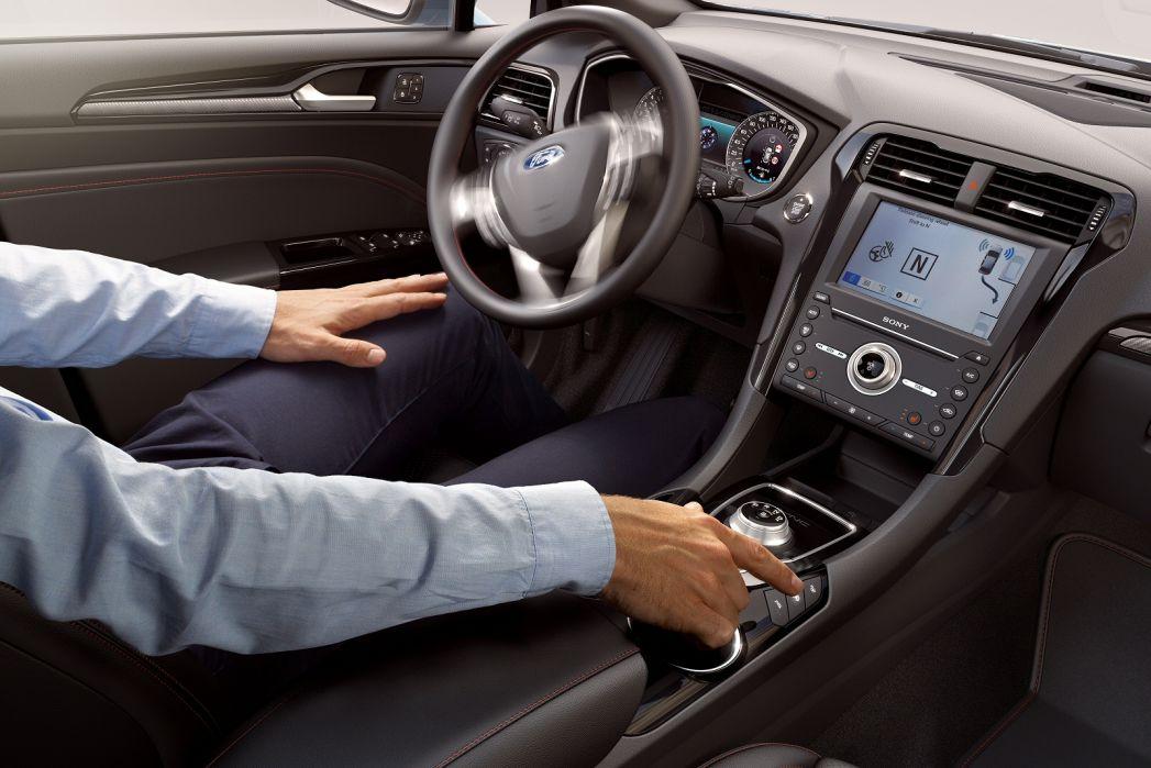Image 5: Ford Mondeo Saloon 2.0 Hybrid Titanium Edition 4dr Auto