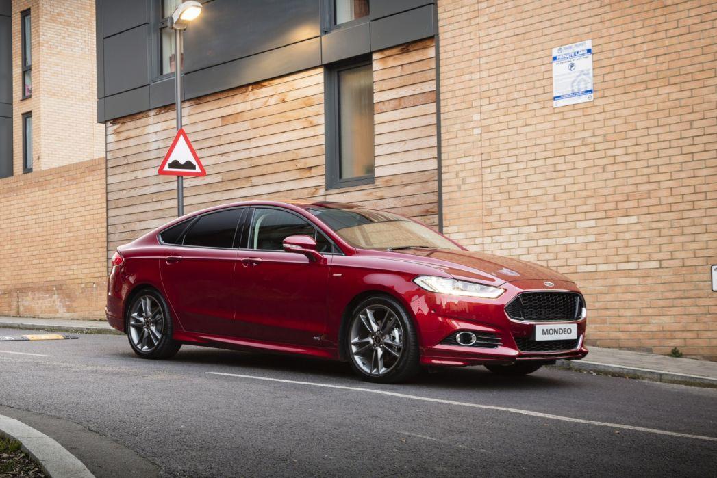 Image 3: Ford Mondeo Saloon 2.0 Hybrid Titanium Edition 4dr Auto