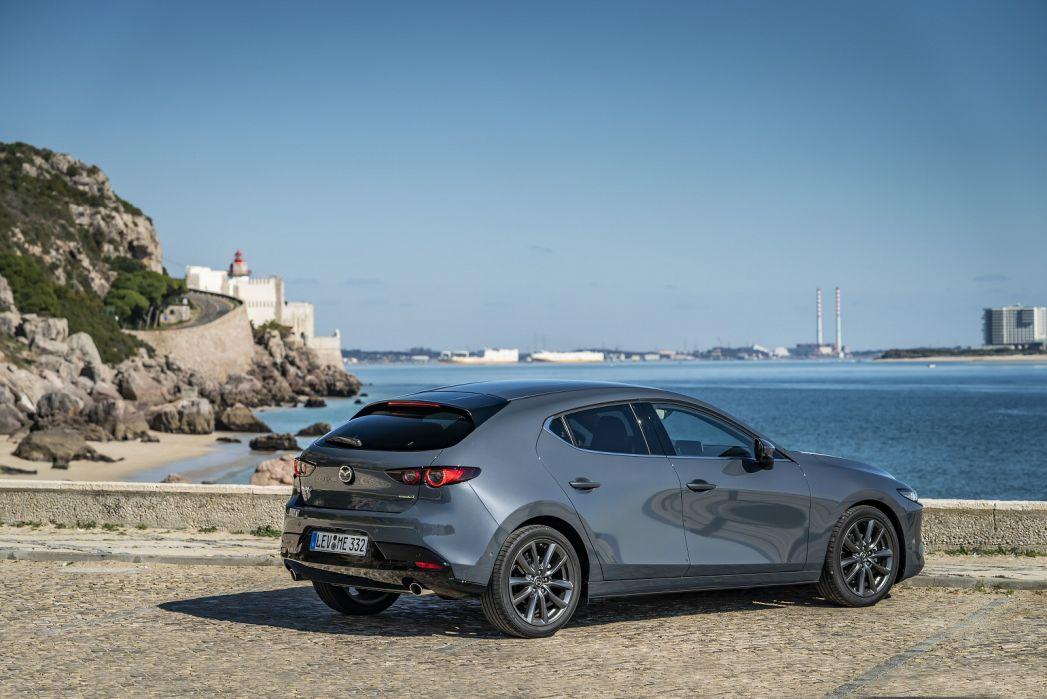 Image 3: Mazda Mazda3 Hatchback 2.0 Skyactiv-G Mhev Sport LUX 5dr