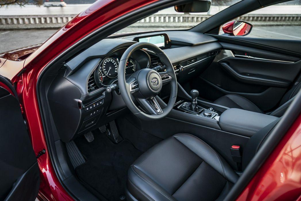 Image 2: Mazda Mazda3 Hatchback 2.0 Skyactiv-G Mhev Sport LUX 5dr