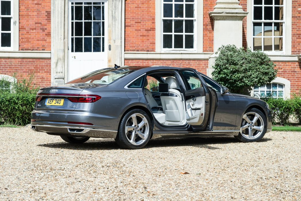 Video Review: Audi A8 Saloon L 55 Tfsi Quattro Sport 4dr Tiptronic [C+S]