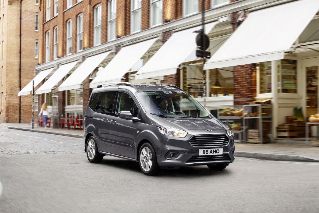 Image 2: Ford Tourneo Courier Diesel Estate 1.5 TDCI Titanium 5dr [start Stop]