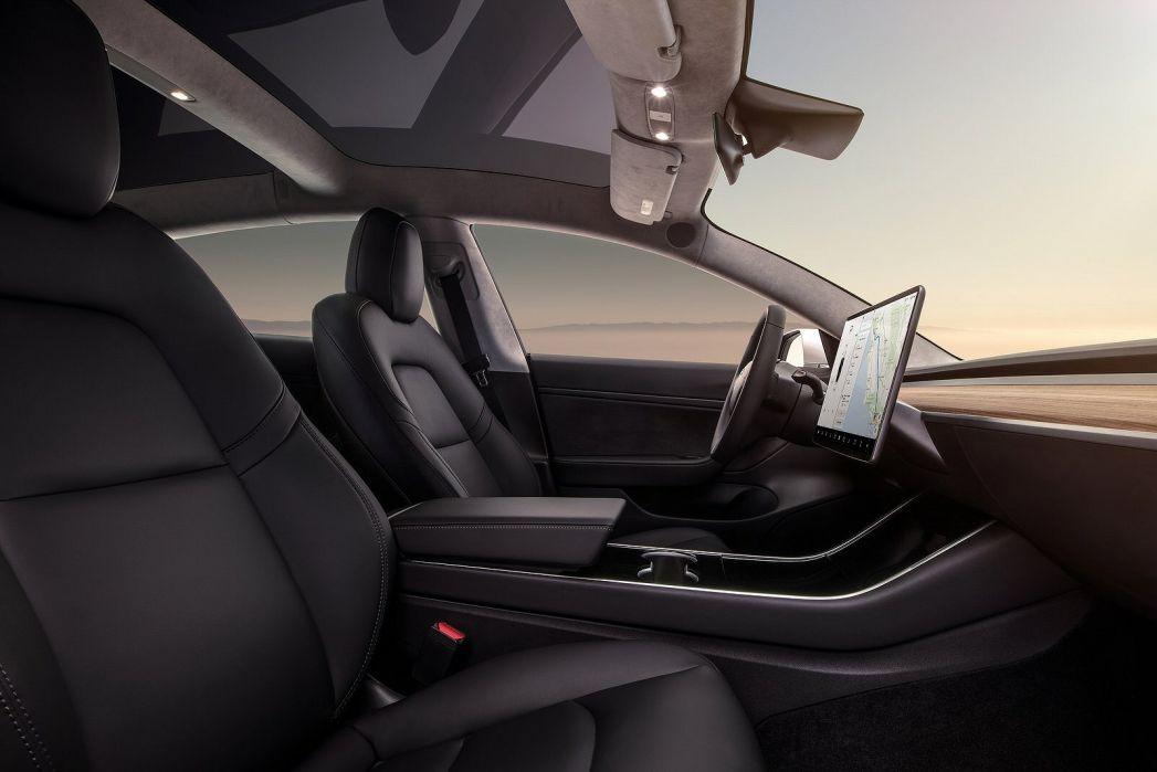 Image 6: Tesla Model 3 Saloon Standard Plus 4dr Auto