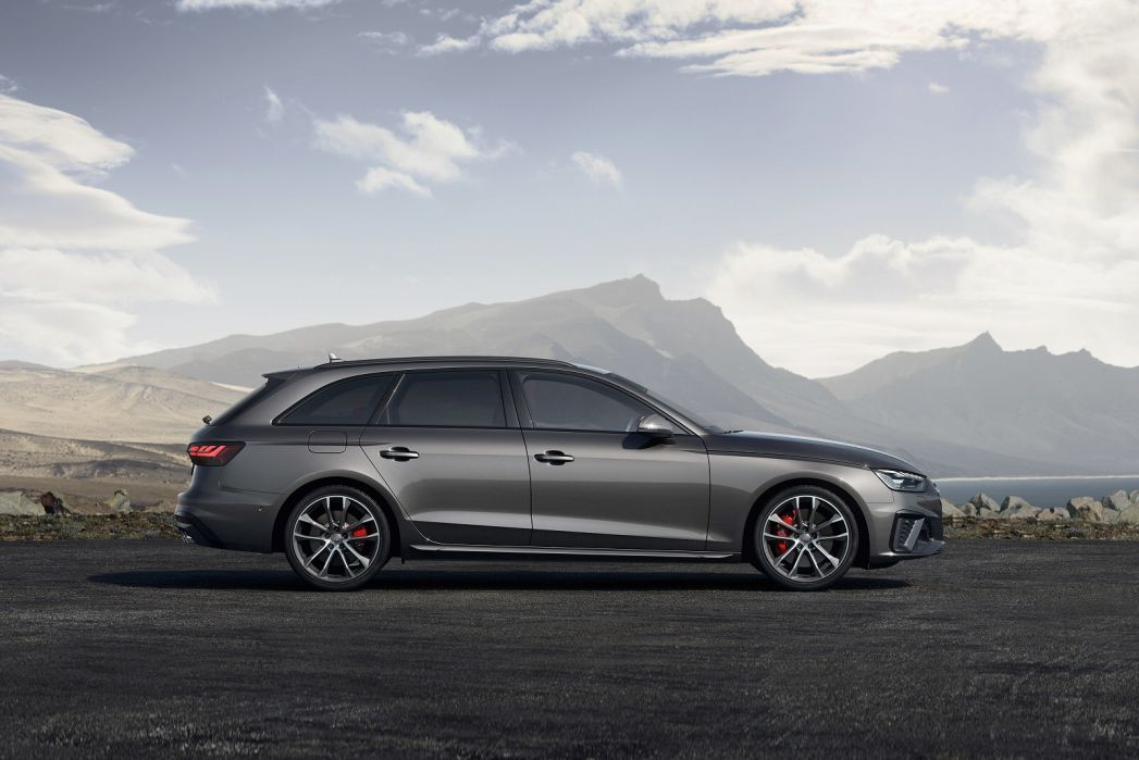 Video Review: Audi A4 Diesel Avant 40 TDI Quattro Black Edition 5dr S Tronic [C+S]