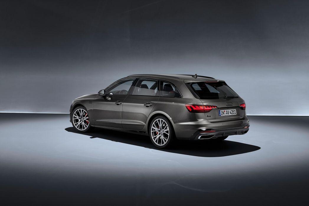 Image 6: Audi A4 Diesel Avant 30 TDI Black Edition 5dr S Tronic [comfort+sound]