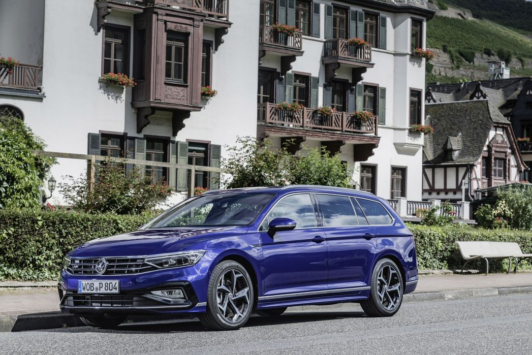 Volkswagen Passat Diesel Estate 1 6 Tdi Se 5dr Dsg On Lease From 325 60