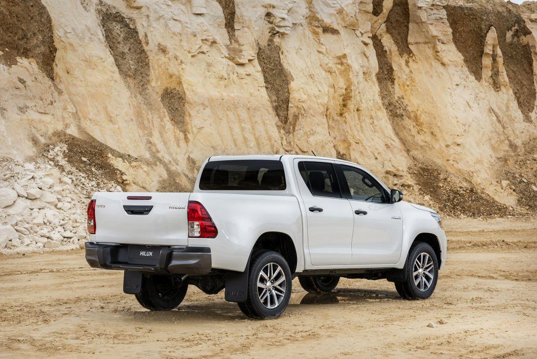 Image 6: Toyota Hilux Diesel Invincible X D/CAB P/UP 2.4 D-4D [3.5T TOW]