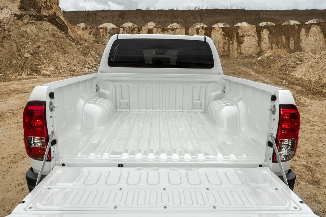 Image 2: Toyota Hilux Diesel Invincible X D/CAB P/UP 2.4 D-4D [3.5T TOW]