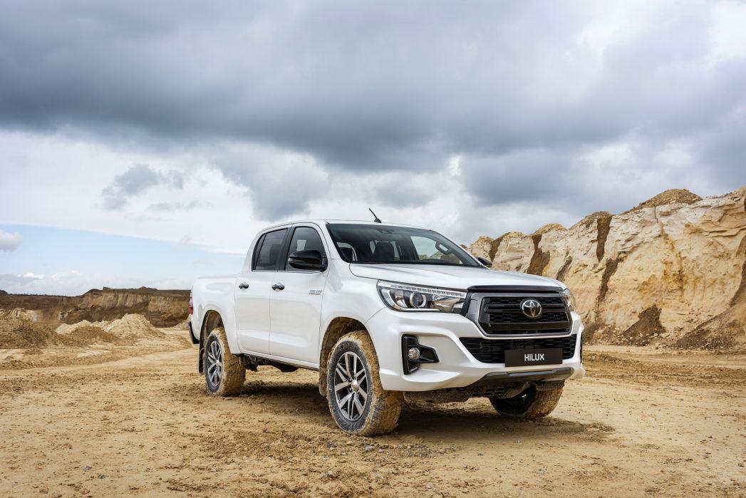 Image 5: Toyota Hilux Diesel Invincible X D/CAB P/UP 2.4 D-4D [3.5T TOW]