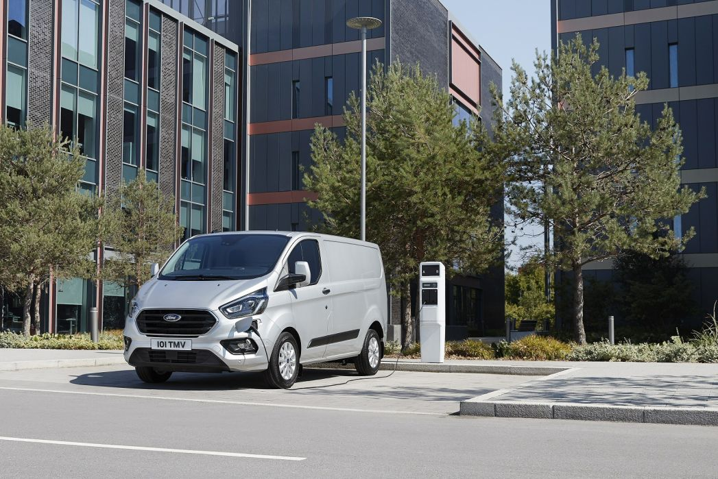 Image 2: Ford Transit 310 L2 Diesel FWD 2.0 Ecoblue 130PS H2 Trend VAN Auto