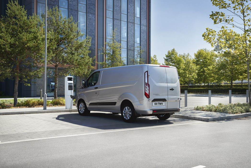 Image 3: Ford Transit 310 L2 Diesel FWD 2.0 Ecoblue 130PS H2 Trend VAN Auto