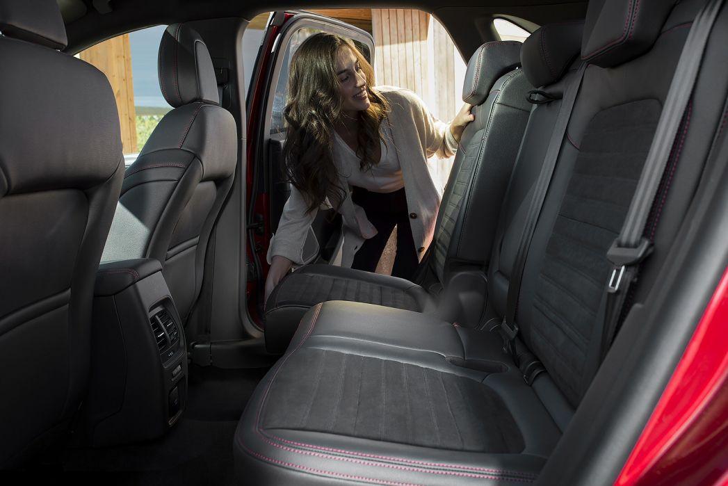 Image 2: Ford Kuga Diesel Estate 1.5 Ecoblue ST-Line X Edition 5dr