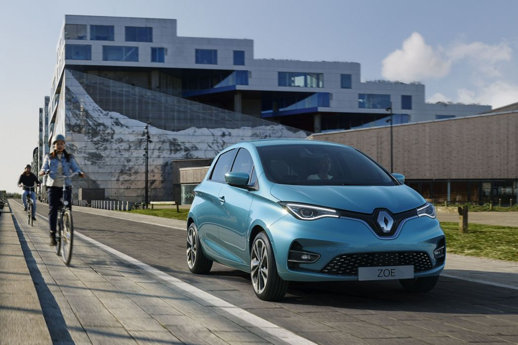 Video Review: Renault Zoe Hatchback 100KW I Iconic R135 50KWH 5dr Auto