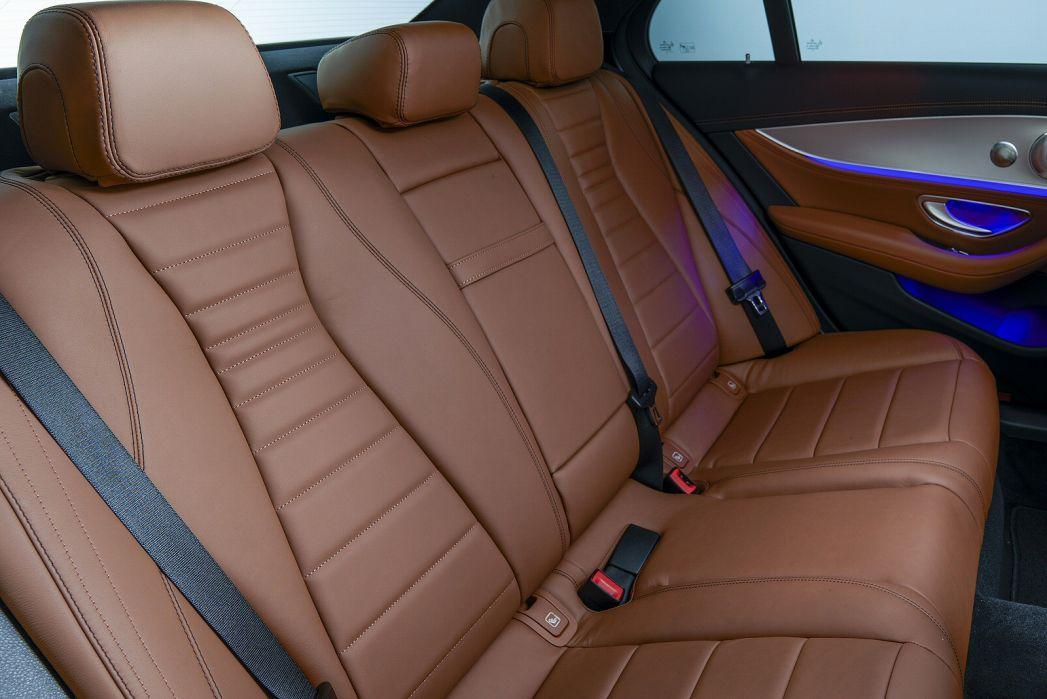 Image 4: Mercedes-Benz E Class Diesel Saloon E300de AMG Line Premium 4dr 9G-Tronic