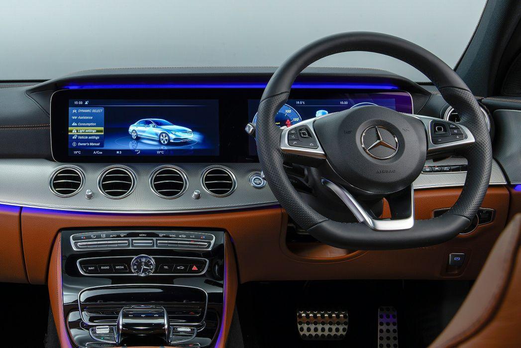 Image 2: Mercedes-Benz E Class Diesel Saloon E300de AMG Line Premium 4dr 9G-Tronic