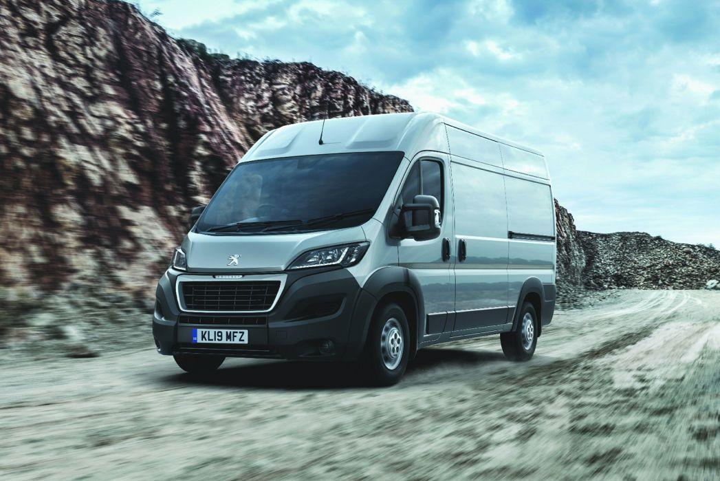 Video Review: Peugeot Boxer 335 L2 Diesel 2.2 Bluehdi H1 S VAN 140PS
