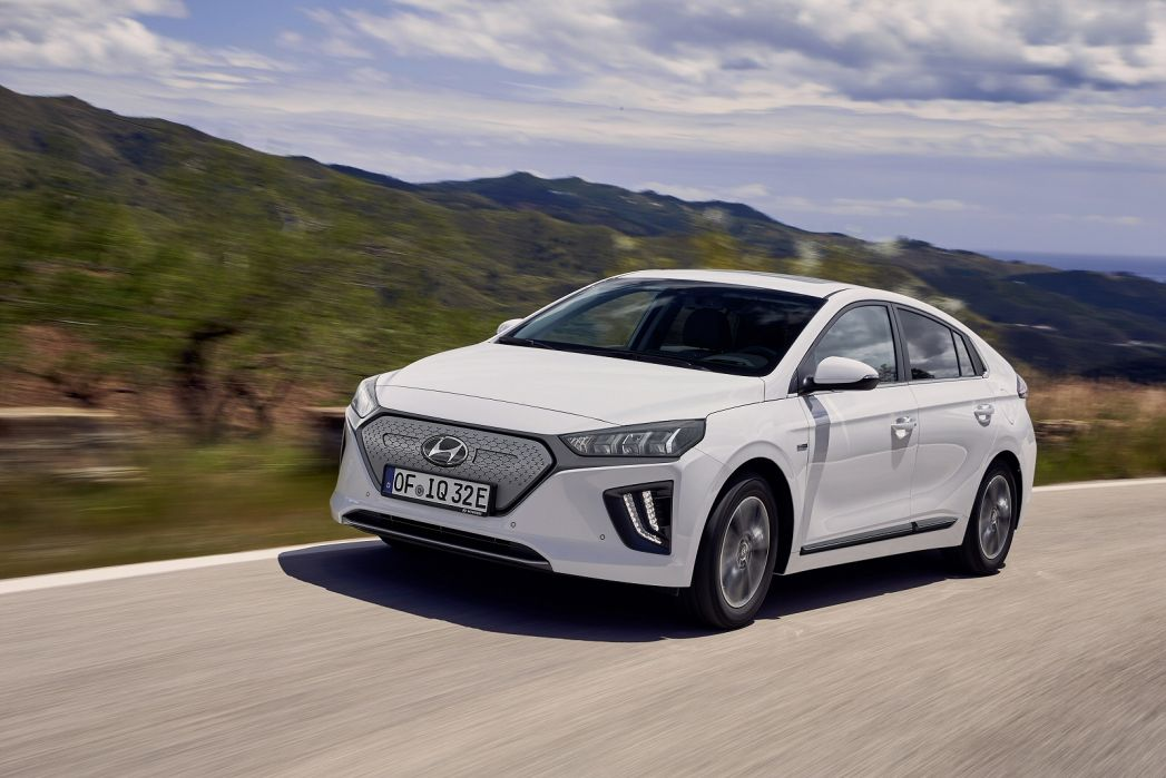 Video Review: Hyundai Ioniq Electric Hatchback 100KW Premium 38KWH 5dr Auto