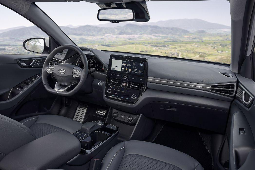 Image 5: Hyundai Ioniq Electric Hatchback 100KW Premium 38KWH 5dr Auto