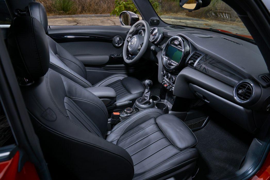 Image 3: Mini Hatchback 1.5 ONE Classic 3dr Auto