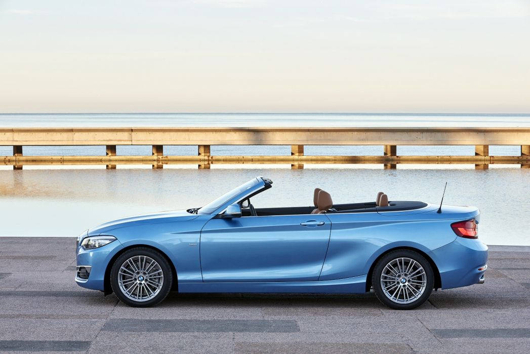 Video Review: BMW 2 Series Convertible 218I [2.0] Sport 2dr [NAV]