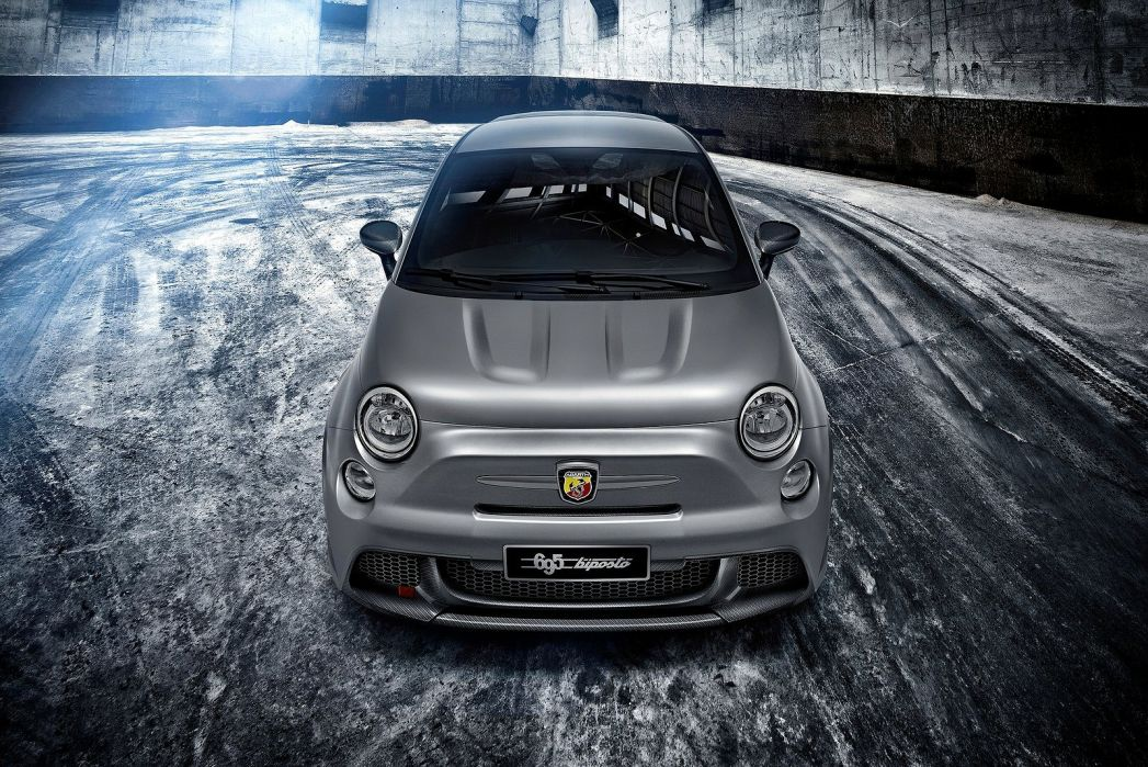 Image 2: Abarth 695 Hatchback Special Edition 1.4 T-JET 180 70TH Anniversary 3dr