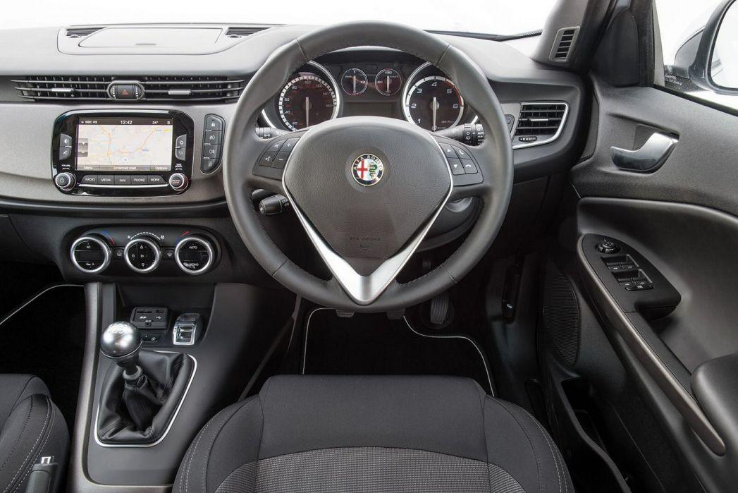 Image 6: Alfa Romeo Giulietta Diesel Hatchback 1.6 Jtdm-2 120 Speciale 5dr
