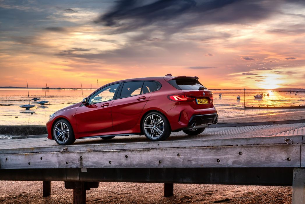 Image 4: BMW 1 Series Diesel Hatchback 118D M Sport 5dr [tech Pack]