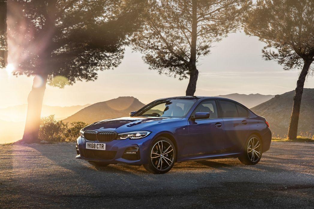 Video Review: BMW 3 Series Diesel Saloon 318D M Sport 4dr Step Auto [plus Pack]