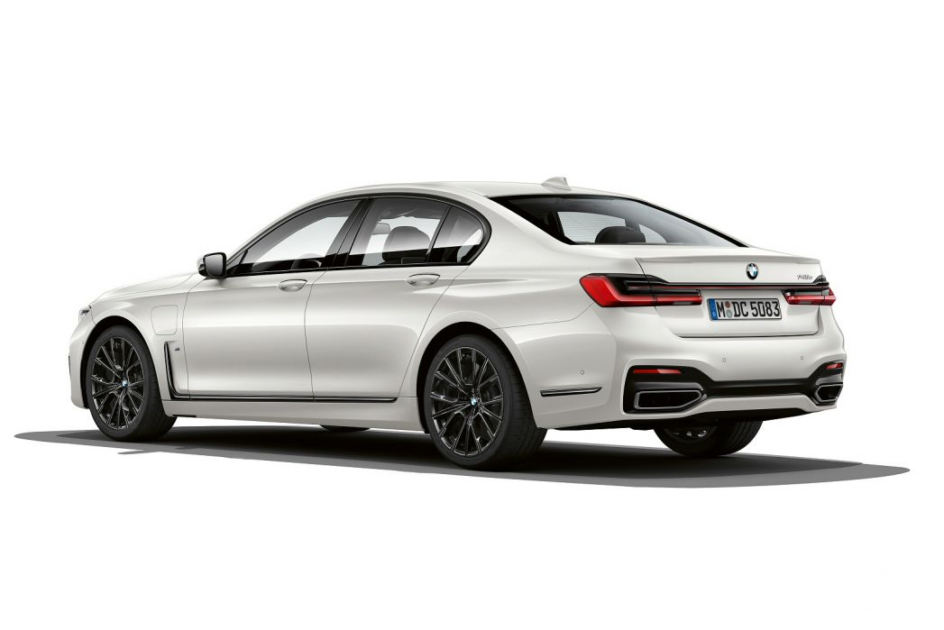 Image 3: BMW 7 Series Saloon 745E M Sport 4dr Auto [ultimate Pack]