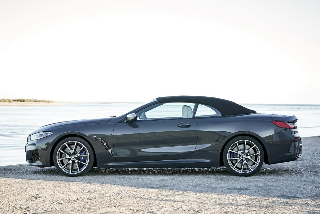 Image 2: BMW 8 Series Convertible M850i Xdrive 2dr Auto [ultimate Pack]