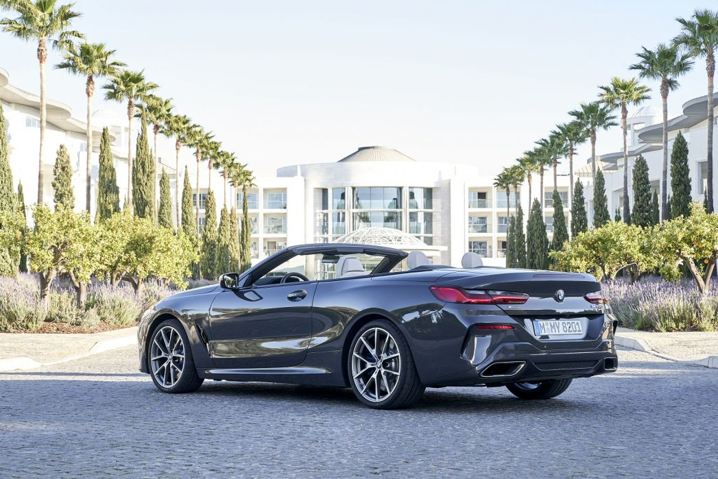 Image 3: BMW 8 Series Convertible M850i Xdrive 2dr Auto [ultimate Pack]