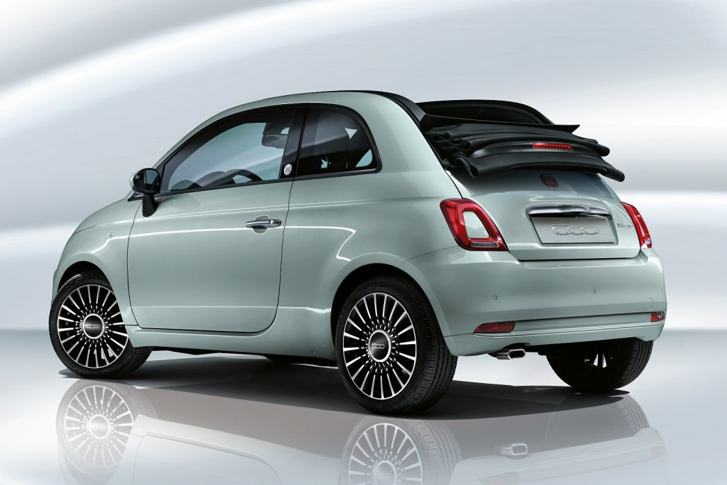 Video Review: Fiat 500C Convertible 1.0 Mild Hybrid Sport 2dr